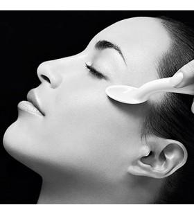 Tratament Profesional pentru Ingrijirea Intensiva a Conturului Ochilor